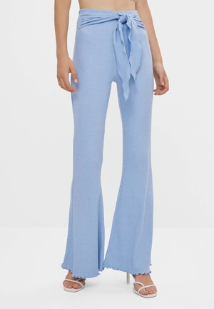 MIT SCHLEIFE - Trousers - light blue