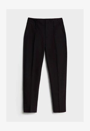 MIT BUNDFALTEN - Chino kalhoty - black
