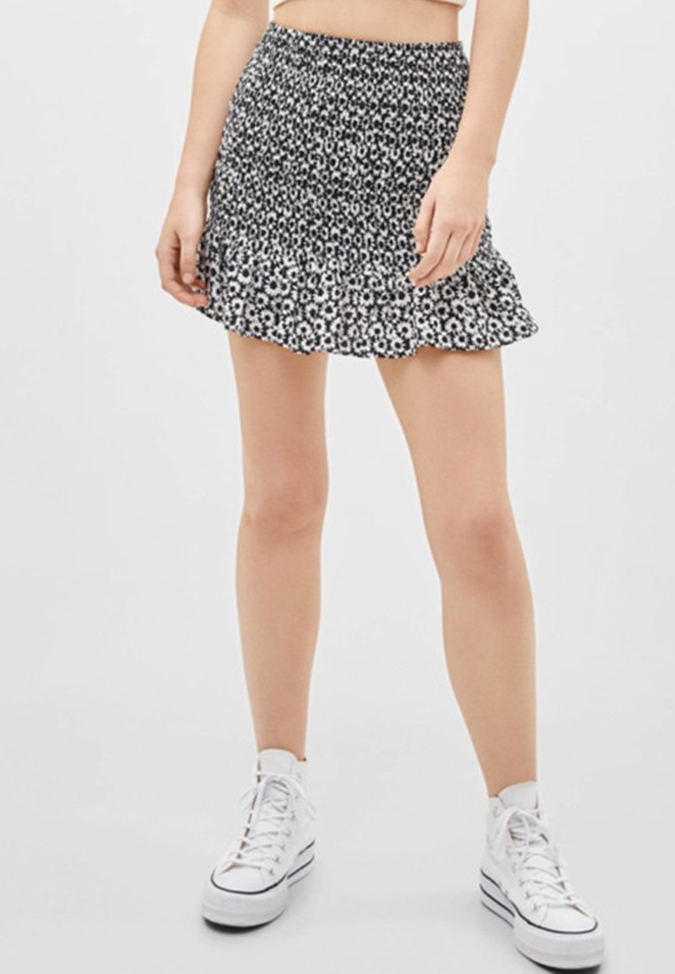 Bershka - MIT VOLANTS  - Mini skirt - black