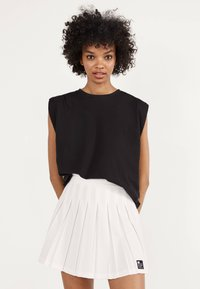 Bershka - Pleated skirt - white - 0