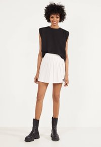 Bershka - Pleated skirt - white - 1