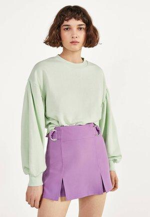MIT SCHNALLEN  - Shorts - mauve
