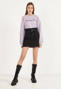 Bershka - MIT GÜRTEL - A-line skirt - grey - 1