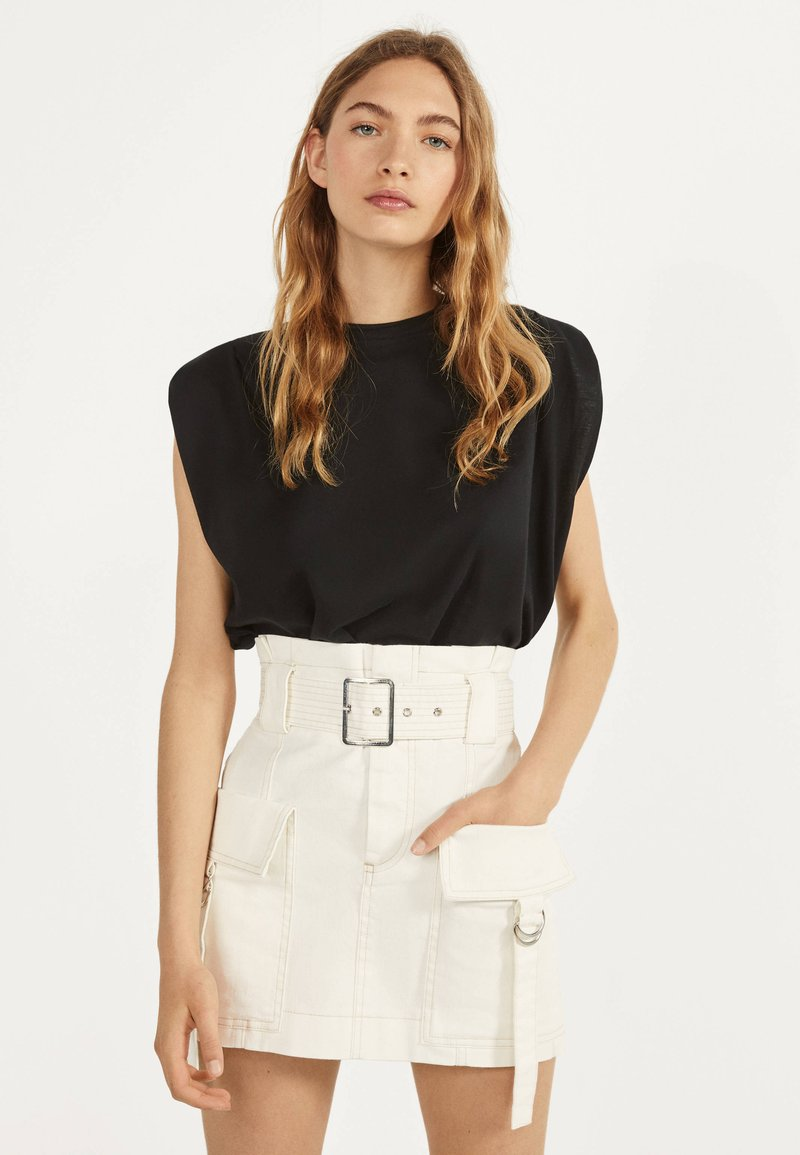 Bershka - MIT GÜRTEL  - A-line skirt - white