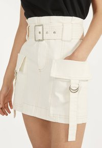Bershka - MIT GÜRTEL  - A-line skirt - white - 3