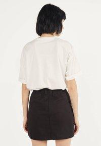 Bershka - MIT REISSVERSCHLUSS 00569019 - A-line skirt - black - 2