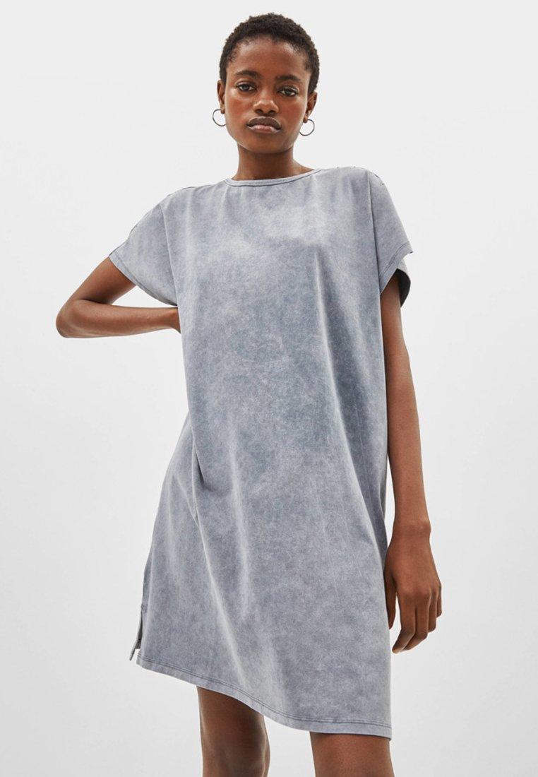 Bershka - Freizeitkleid - grey