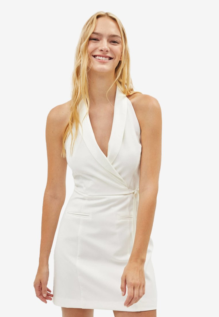 Bershka - MIT GÜRTEL  - Day dress - white