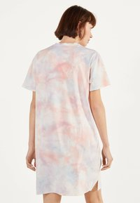Bershka - IM ACID-WASH-LOOK - Day dress - pink - 2