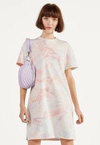 Bershka - IM ACID-WASH-LOOK - Day dress - pink - 0