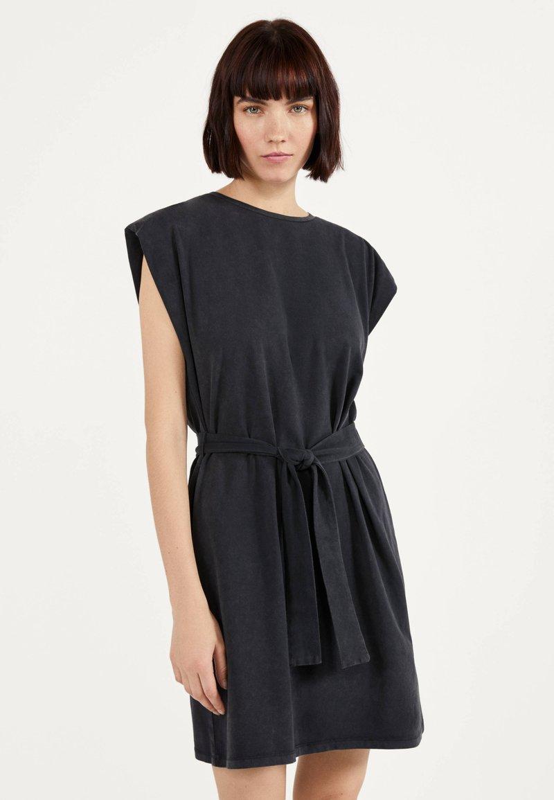 Bershka - Žerzejové šaty - grey