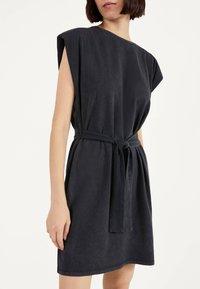 Bershka - Žerzejové šaty - grey - 3