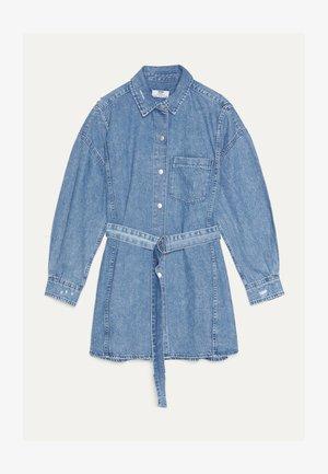 MIT GÜRTEL - Robe en jean - blue denim