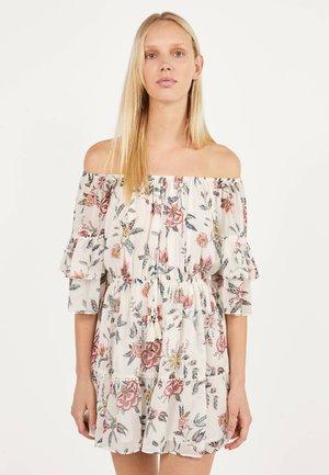 MIT BLUMENPRINT  - Korte jurk - white