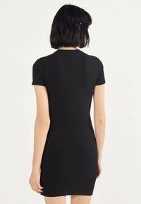 Bershka - MIT SCHLITZEN  - Shift dress - black - 2
