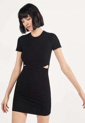 MIT SCHLITZEN  - Shift dress - black