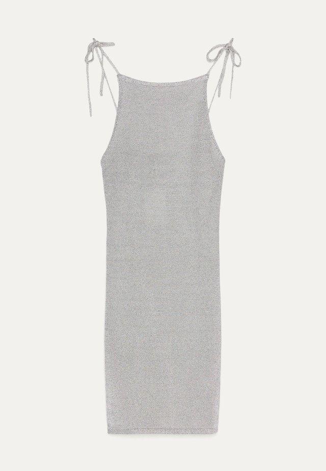 MIT LAMÉFADEN - Korte jurk - silver