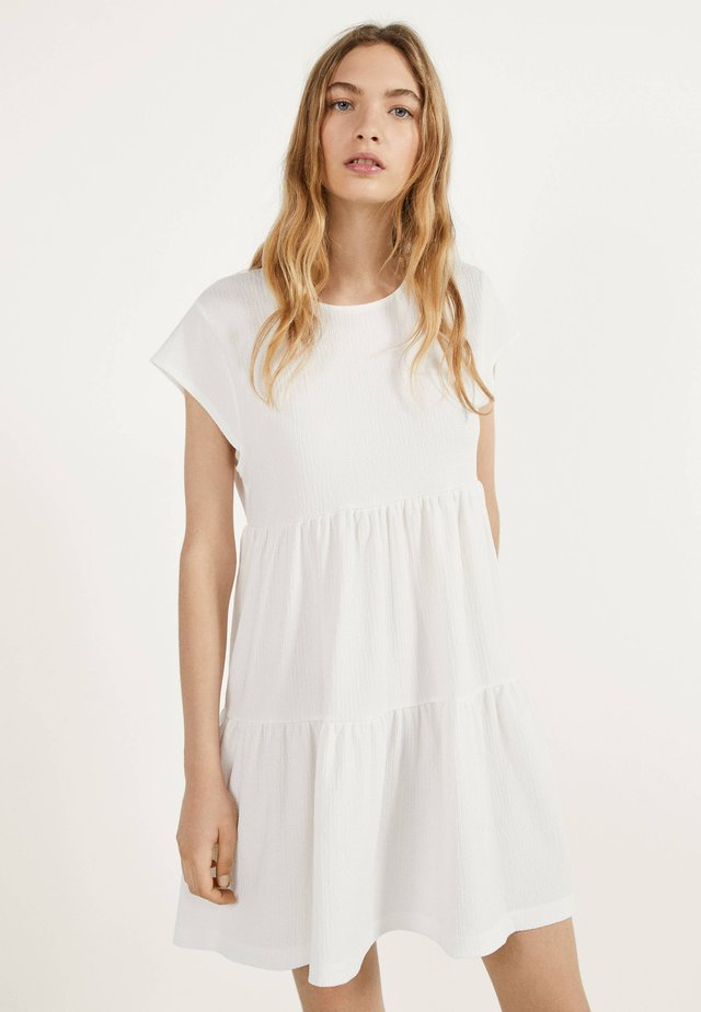 MIT KURZEN ÄRMELN - Sukienka letnia - white