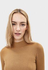 Bershka - Sweter - ochre - 3