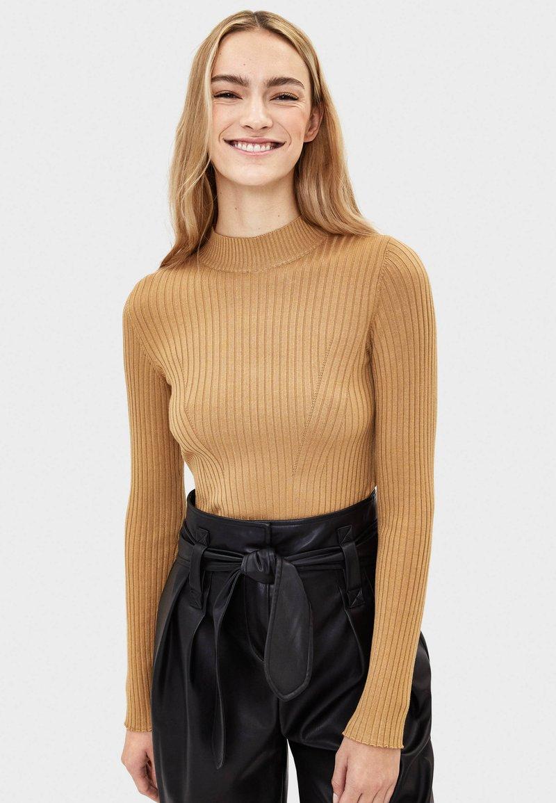 Bershka - Sweter - ochre