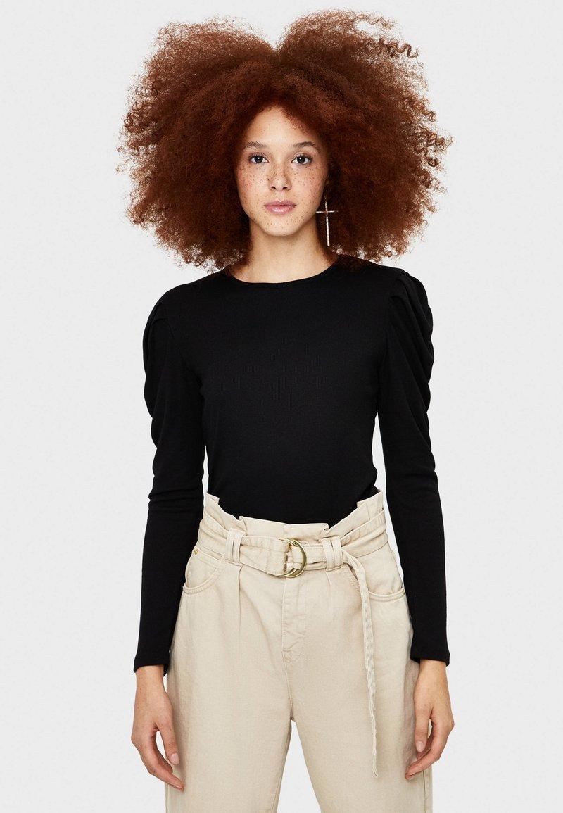 Bershka - T-SHIRT MIT BALLONÄRMELN 07224231 - Långärmad tröja - black