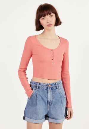 MIT KNÖPFEN - Sweter - orange