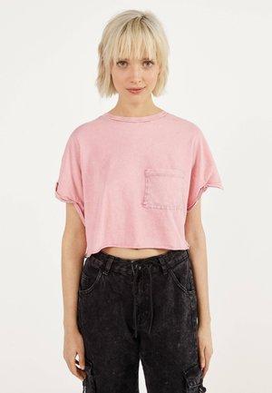 MIT TASCHE - T-Shirt print - pink