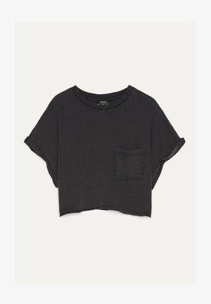 MIT TASCHE - T-shirt z nadrukiem - black