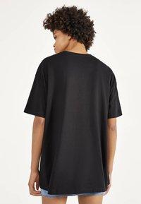 Bershka - SHIRT SAILOR MOON 01961167 - Print T-shirt - black - 2