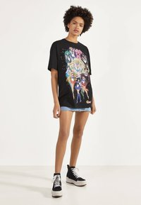 Bershka - SHIRT SAILOR MOON 01961167 - Print T-shirt - black - 1