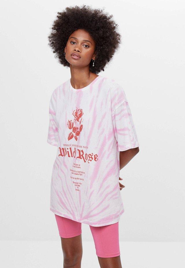 MIT TIE-DYE - T-shirt z nadrukiem - pink