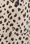 Bershka - MIT TASCHE  - Overhemdblouse - brown