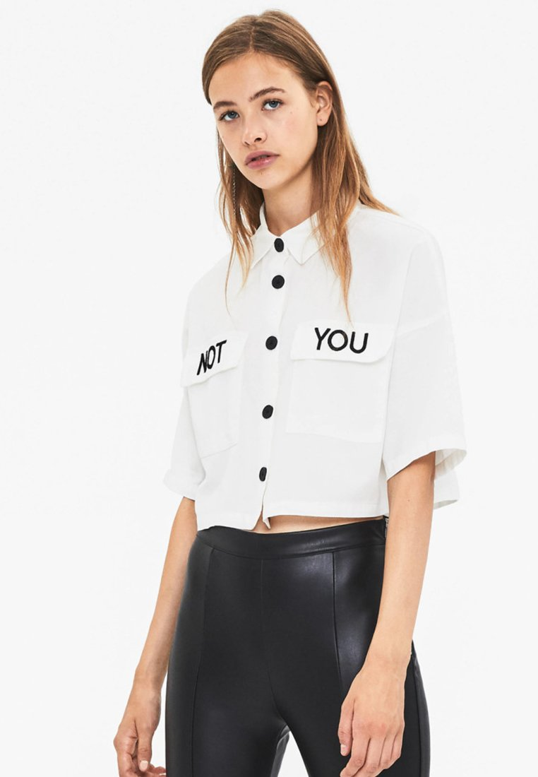 Bershka - MIT STICKEREI - Chemisier - white