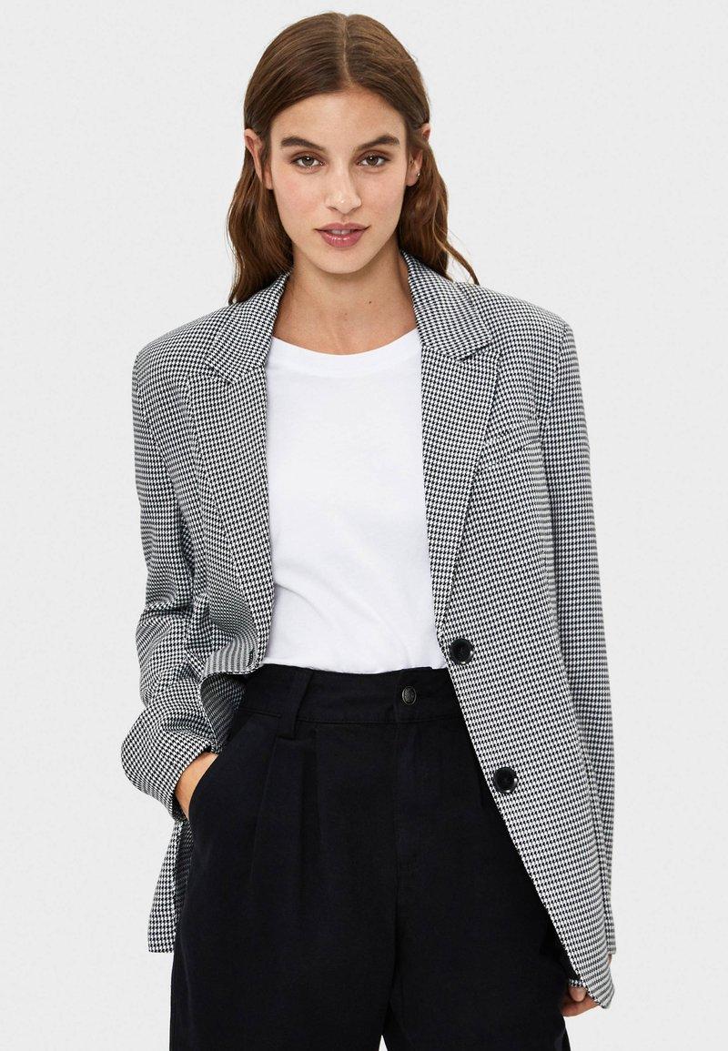 Bershka - Short coat - black