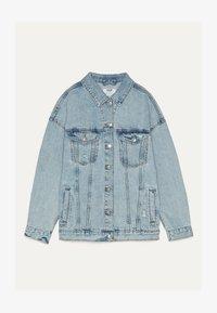 Bershka - OVERSIZE-JEANSJACKE 01110335 - Kurtka jeansowa - blue - 4