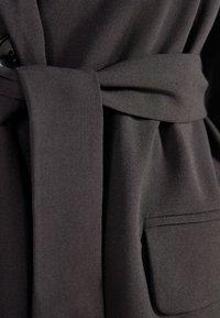 Bershka - Krátký kabát - black - 4