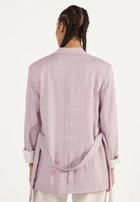 Bershka - Krótki płaszcz - dark purple - 2