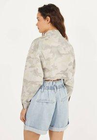 Bershka - MIT GLITZER  - Denim jacket - turquoise - 2