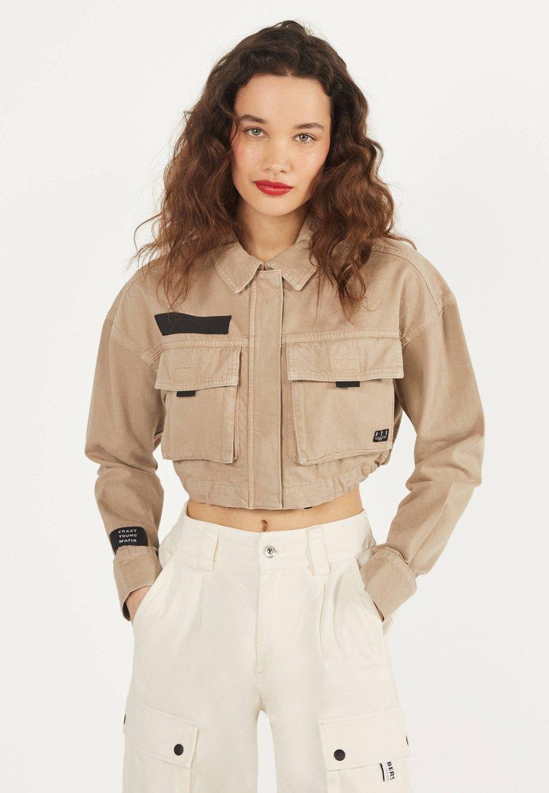 Bershka - IM UTILITY-STIL - Denim jacket - beige