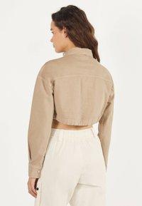 Bershka - IM UTILITY-STIL - Denim jacket - beige - 2
