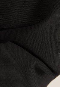 Bershka - IM UTILITY-STIL - Veste en jean - black - 5