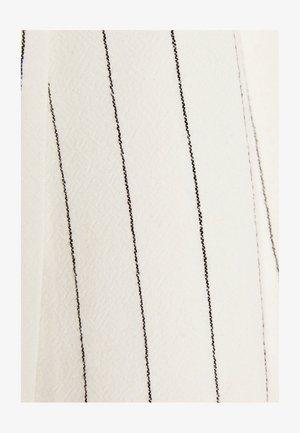 KURZARM 00983200 - Blazer - white