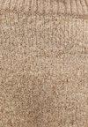 Bershka - MIT RUNDAUSSCHNITT  - Jumper - brown