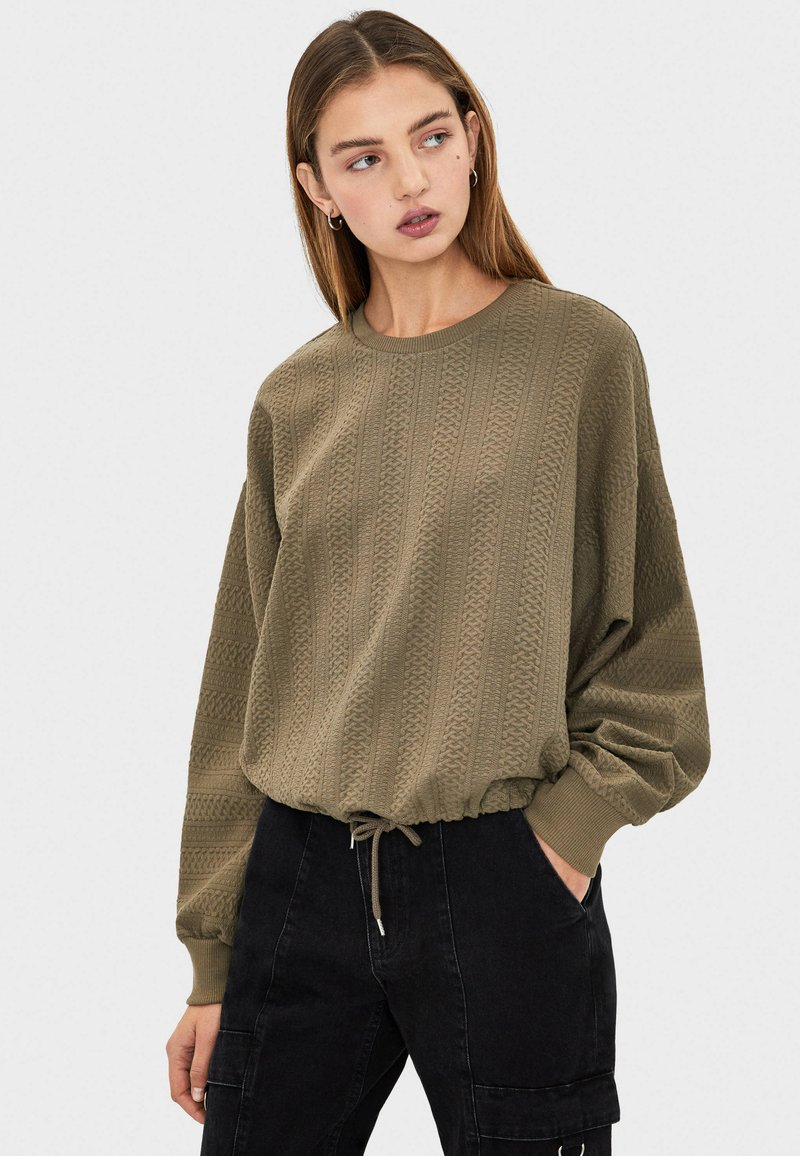 Bershka - Stickad tröja - khaki