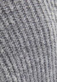 Bershka - MIT ROLLKRAGEN  - Jumper - light grey - 4
