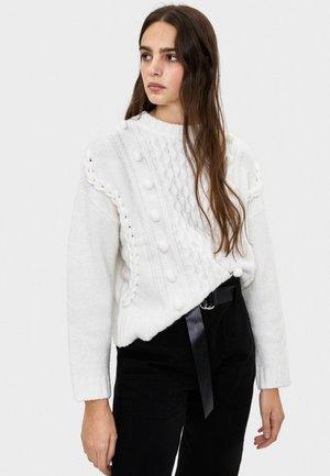 MIT POMPONS  - Stickad tröja - white