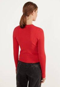 Bershka - Sweter - red - 2