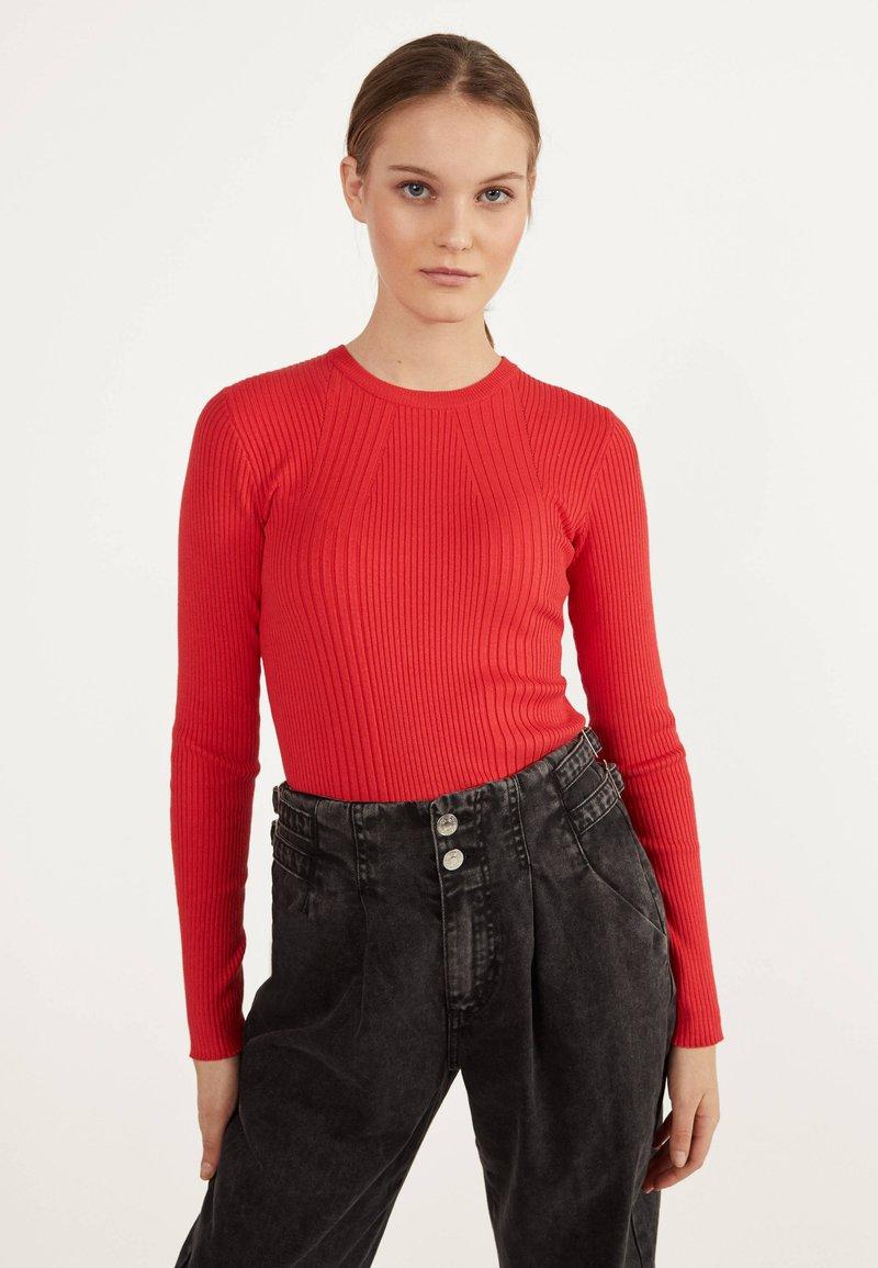 Bershka - Sweter - red