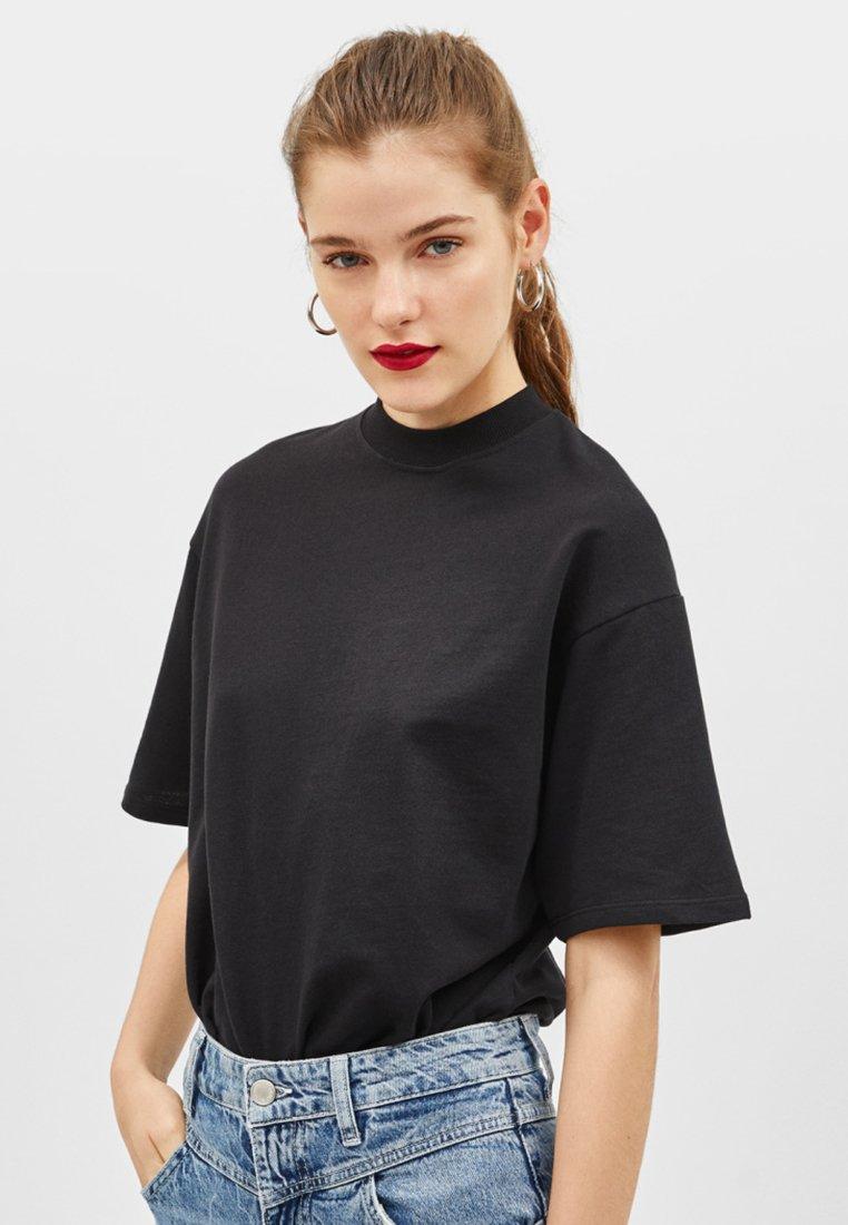 Bershka - JOIN LIFE - Sweatshirts - black