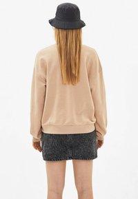 Bershka - Sweatshirts - beige - 2